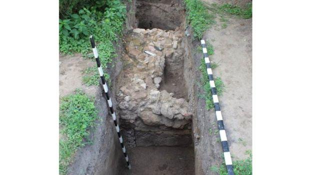 У Лаврі знайшли залишки унікального муру XII століття