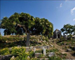 У Криму закінчились місця на кладовищах: відкривають крематорій
