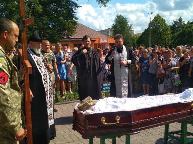 Митрополит УПЦ просить у Бога безсмертя душі загиблим воїнам АТО