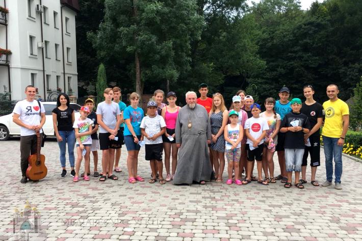 Греко-католики провели літній табір для дітей з Луганщини, а на Івано-Франківськівщині допомагають переселенцям започаткувати власний бізнес