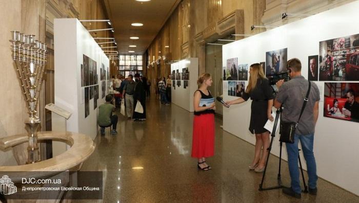 В центре «Менора» проходит всеукраинская фотовыставка «Пробация. Возможности для изменений»