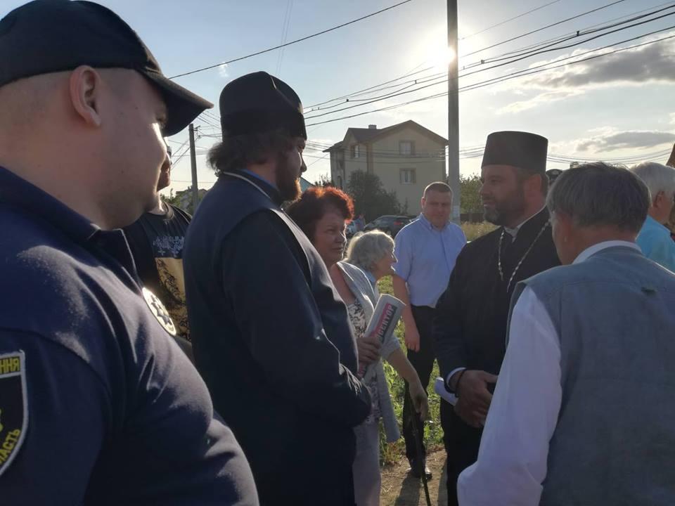 У Рівному місцеві депутати та активісти перешкоджають будівництву храму УПЦ
