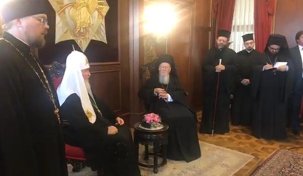Московский и Сербский патриархи отговаривают Константинополь от украинской автокефалии