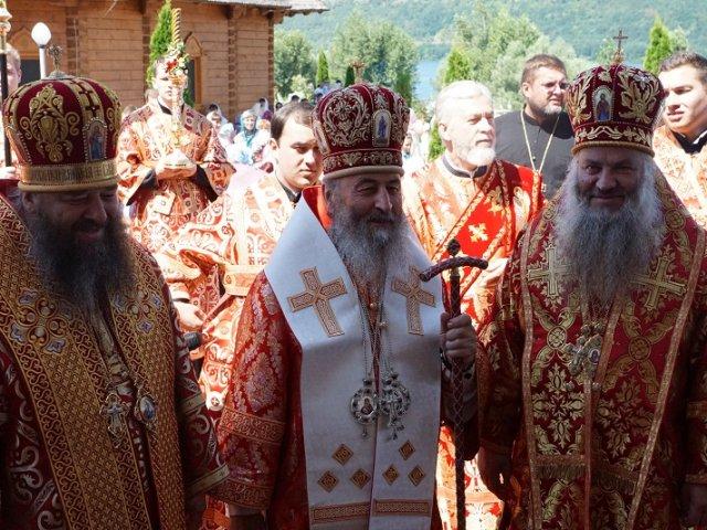 Глава УПЦ вчергове відвідав монастир єпископа-опозиціонера