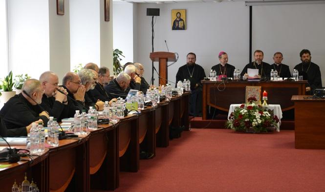 Архієреї УПЦ КП і УПЦ (МП) взяли участь у засіданні Синоду УГКЦ, присвяченому катехизації