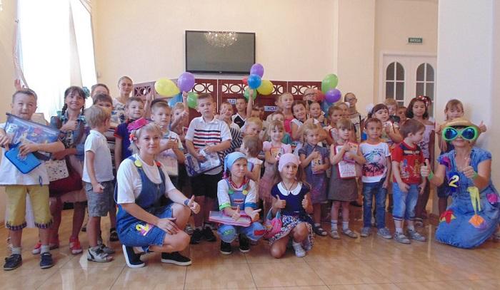 Одеська єпархія УПЦ відправила школярам Донецька гуманітарну допомогу