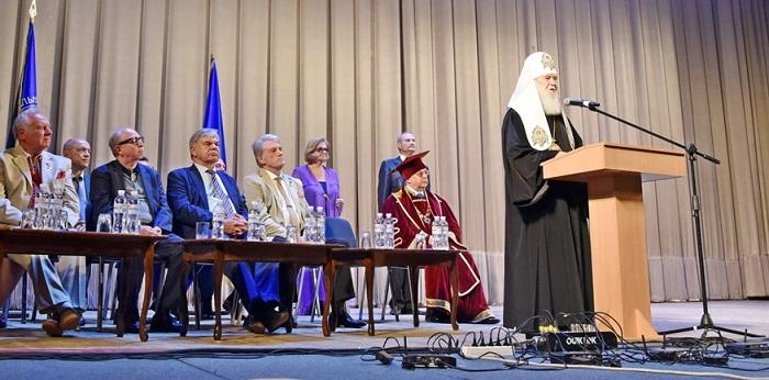 Глава УПЦ КП впевнений, що у жовтні Константинополь ухвалить рішення про надання автокефалії українській Церкві