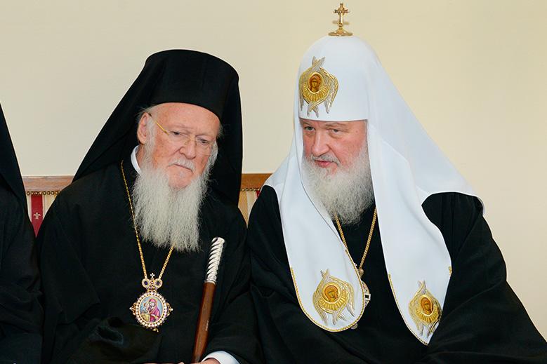 Москва угрожает Константинополю разрывом отношений из-за Украины