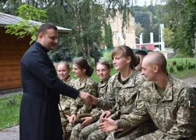 Курсантам академії сухопутних військ презентували діяльність релігієзнавчого гуртка