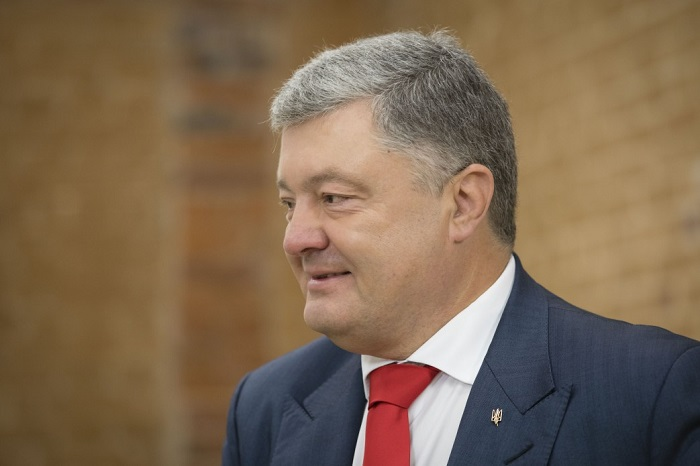 Президент України: «Ми не будемо питати дозволу ні у Путіна, ні у Кирила»