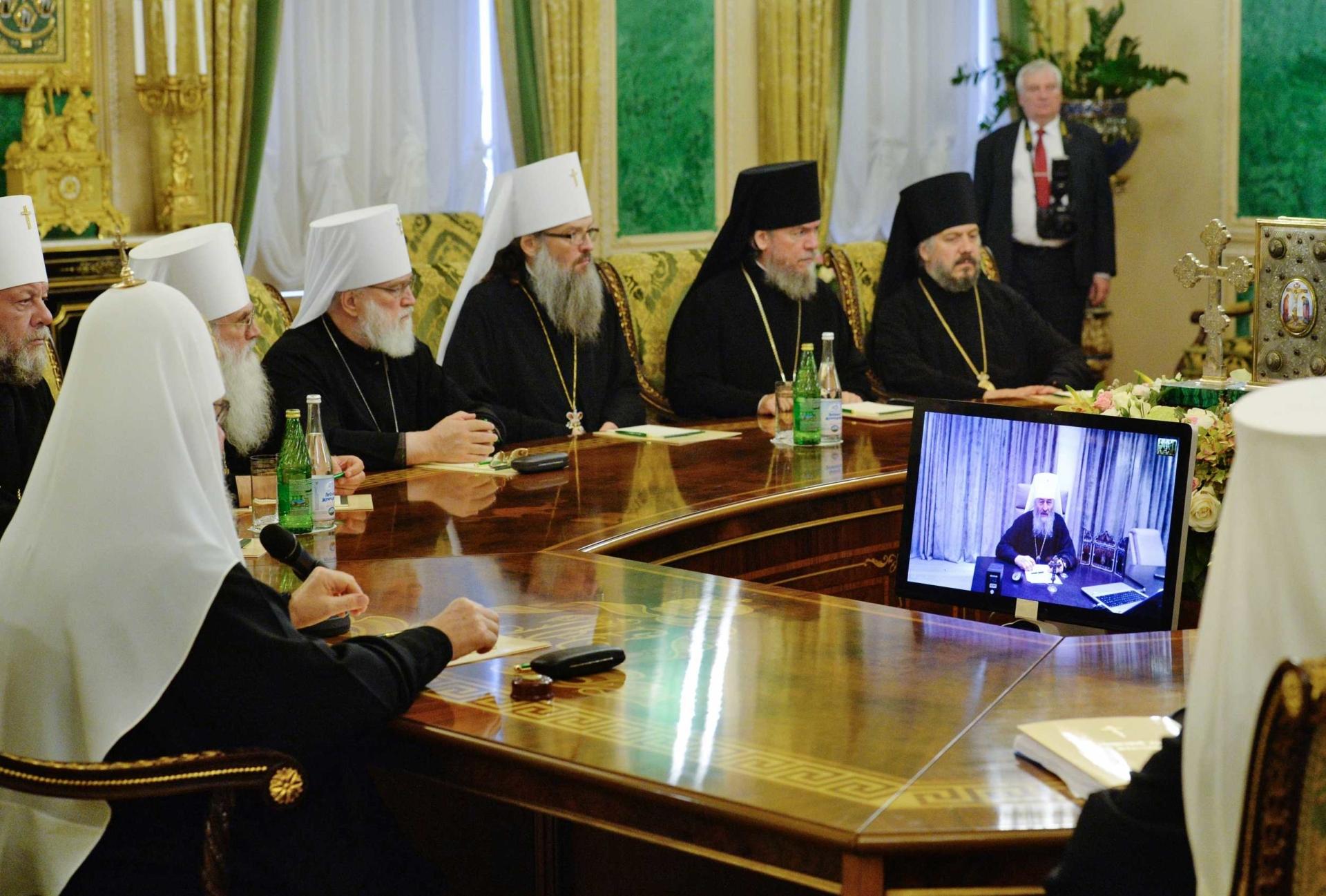 РПЦ/УПЦ припинила стосунки з єпископатом Константинопольської Церкви через Україну