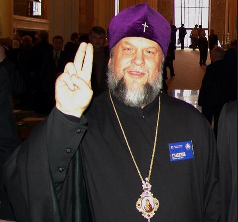 Митрополит УПЦ подозревает своего коллегу-митрополита в намерении возглавить объединенную церковь