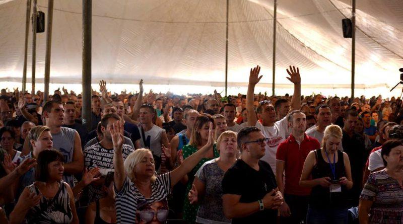 Конференция христианских реабилитационных центров собрала на Херсонщине 3 000 человек