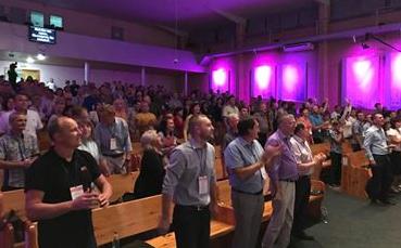 Миссионеры из 32-х прифронтовых городов Украины провели конференцию в Славянске
