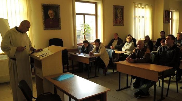 Римо-католицька школа віри в Харкові пояснює, чи вірують представники різних релігій в єдиного Бога