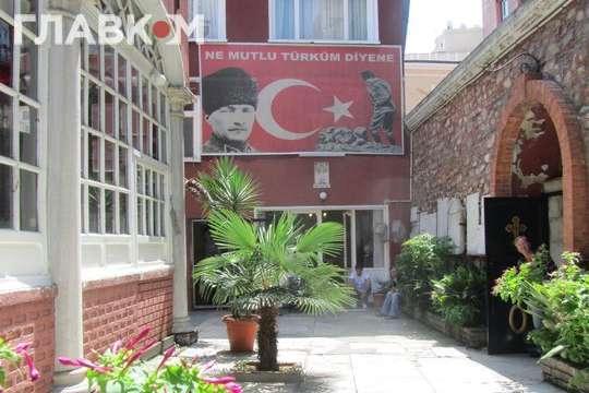 Альтернативна православна церква в Туреччині подала до суду на Варфоломія за «втрутився у внутрішні справи України»