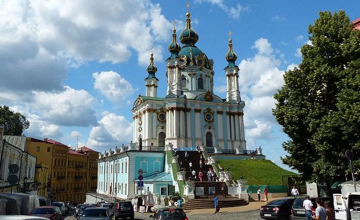 Парламент Украины одобрил передачу Андреевской церкви Константинополю