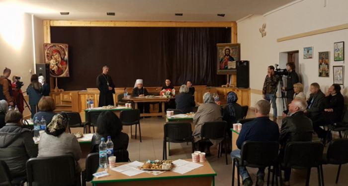 Митрополит УГКЦ зустрівся з родинами загиблих воїнів, а капелан УПЦ КП молився за мир і перемогу з морськими піхотинцями Одещини