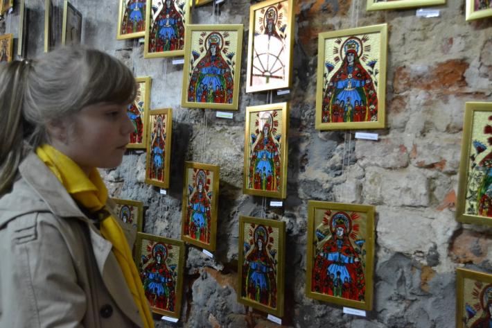 У Львівському музеї історії релігії продаватимуть дитячі ікони, щоб допомогти воїну АТО
