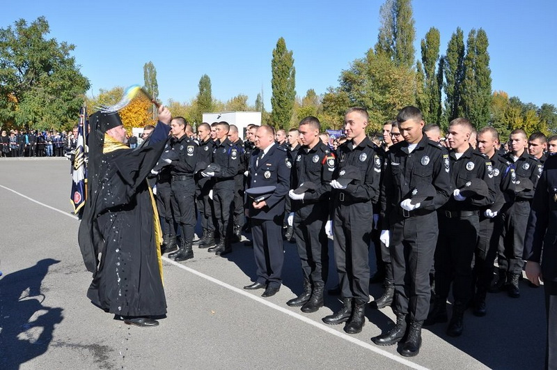 У Харкові та Херсоні єпископи УПЦ КП взяли участь у посвяті першокурсників — майбутніх працівників поліції та моряків