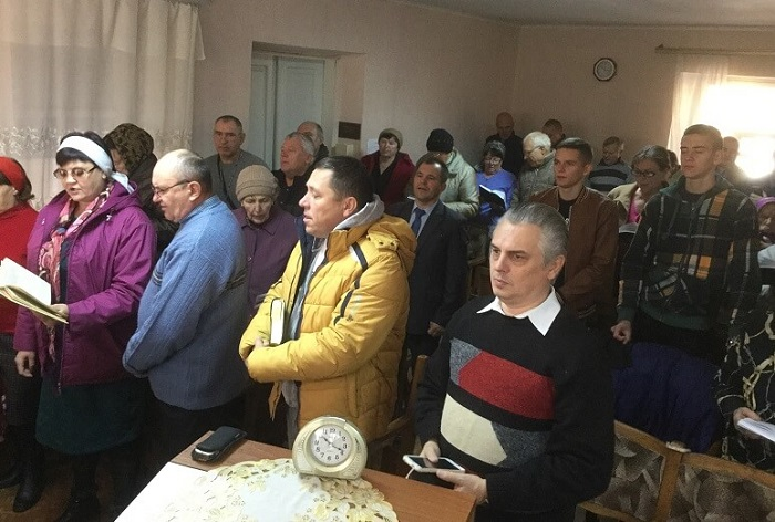 """Баптисти хочуть відкрити в """"сірій зоні"""" Донеччини малі підприємства для допомоги переселенцям"""