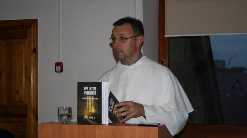 На Хмельниччині католицький богослов презентував книгу, яка включає дискусії у фейсбуці