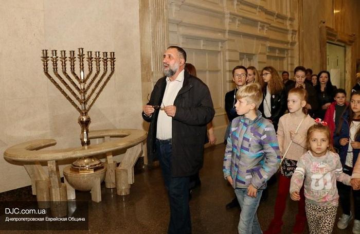 Дети воскресной школы УПЦ КП побывали на экскурсии в синагоге