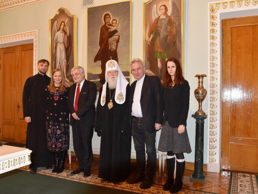 Патріарх Філарет обговорив з послом Польщі проекти з соціального служіння та підтримки дітей з прифронтового Донбасу