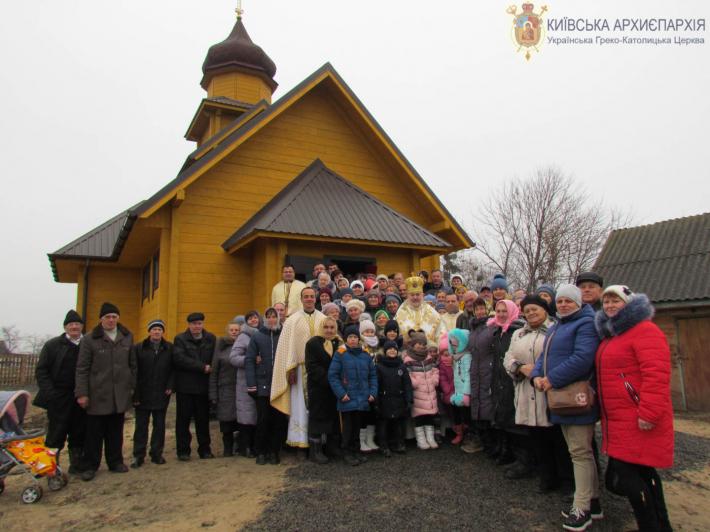 На Житомирщині освятили новий храм УГКЦ, а в Полтаві — новий кафедральний храм УАПЦ