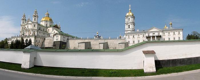 Наместник Почаевской лавры опроверг слухи о «подготовке к захвату» обители