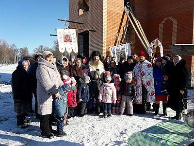 УАПЦ освятила на Київщині новий храм, а на Полтавщині — накупольні хрести