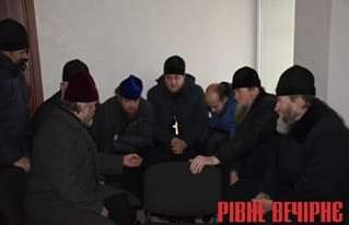 СБУ допитує священиків УПЦ. Експерти вважають це помилкою