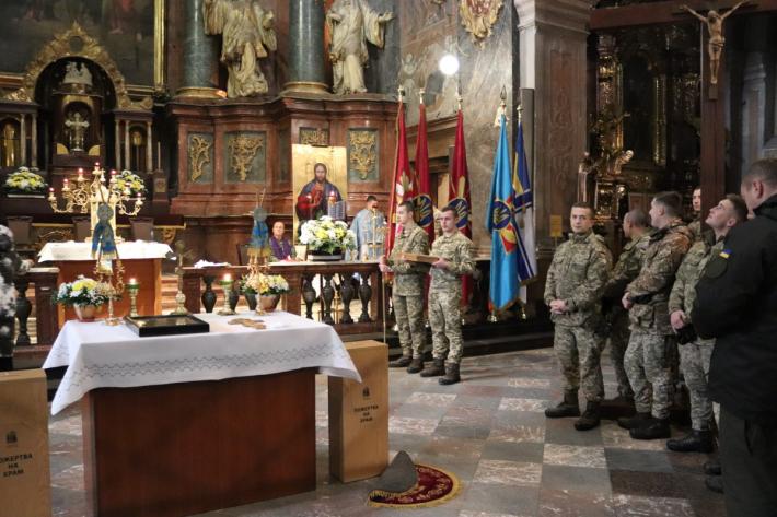 Митрополит УГКЦ молився разом із військовослужбовцями в гарнізонному храмі