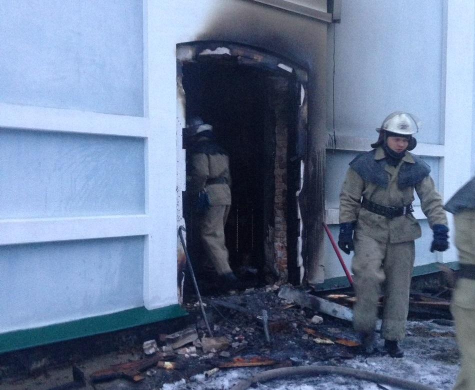 На Білоцерківщині взяли під домашній арешт чоловіка, якого підозрюють у підпалі храму УПЦ в нетверезому стані