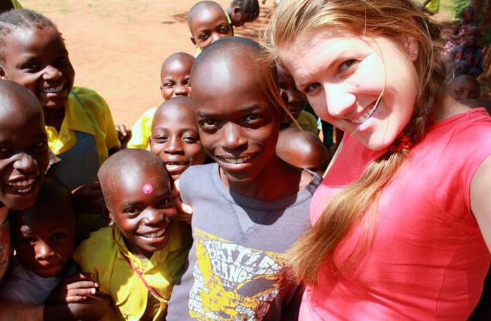 Вагітна українська місіонерка в Африці потрапила до шпиталю