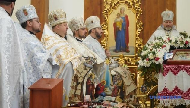 Архієреї ПЦУ обіцяють зберегти мову богослужіння при переході парафій в цю конфесію