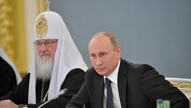 """Путин вновь заявил о """"нарушении церковных канонов"""" """"киевским режимом"""""""