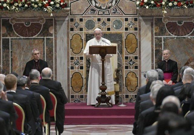 Україна – на першому місці у новорічній промові папи Франциска до дипломатичного корпусу