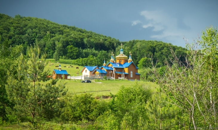 На Прикарпатті згорів монастир ПЦУ