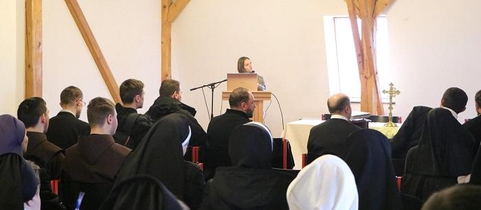 Монахів греко-католиків Закарпаття навчали комунікації для євангелізації: «Як говорити про Церкву та християнство в інтернеті зрозумілою мовою»
