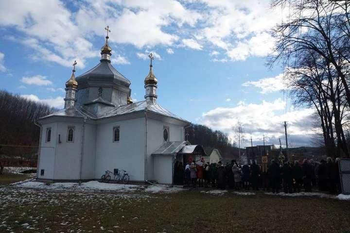 У Чернівецькій області побилися священики через перехід церкви до ПЦУ