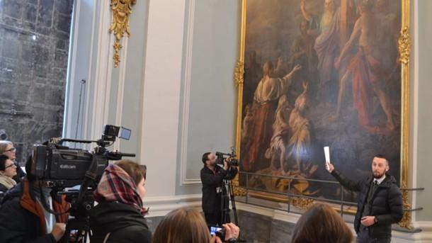 """В столичну Андріївську церкву повернули відреставровану картину """"Проповідь апостола Андрія"""""""