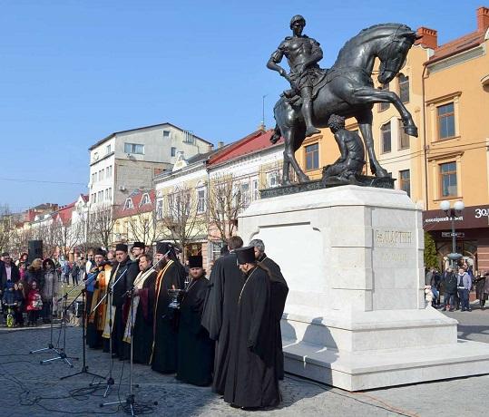 У Мукачеві відкрили й освятили пам