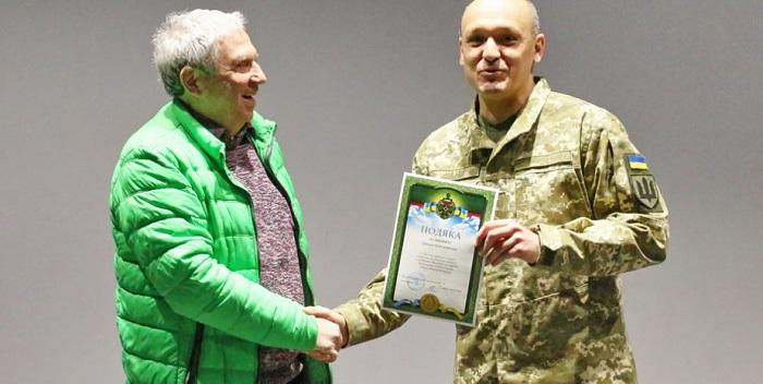 Деятель еврейской общины Днепра получил благодарность за поддержку украинской армии