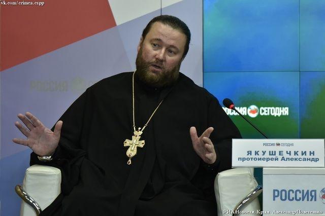 В Кримській єпархії УПЦ (МП) виправдовують вигнання ПЦУ з храму у Сімферополі та кажуть, що через покаяння приймають до себе «розкольницьких» священиків