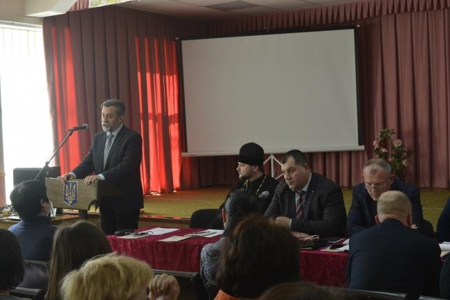 Адміністрація Гадяча і духовенство ПЦУ провели круглий стіл з українського православ