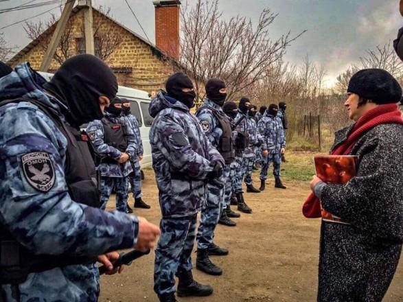 Україна висловила рішучий протест через нову хвилю масових обшуків і затримань кримських татар
