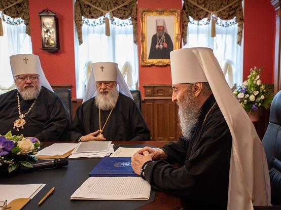 Синод УПЦ (МП) квапиться оголосити «невизнання» ПЦУ у світовому православ