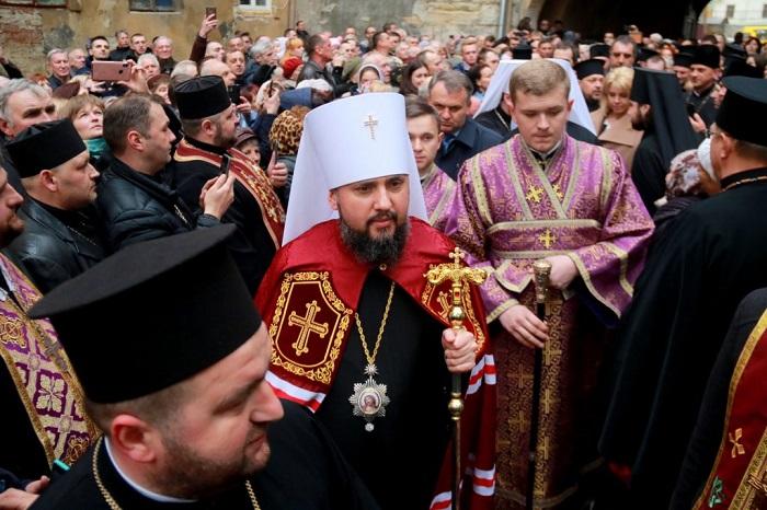 Митрополит Епіфаній: «У нас є парафіяни, які підтримують обох кандидатів»