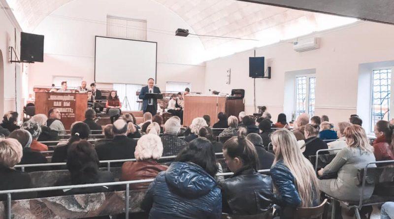 Протестанты провели в Днепре евангелизацию для переселенцев из зоны АТО/ООС